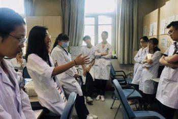 nancy_yang_talking_to_medical_staff